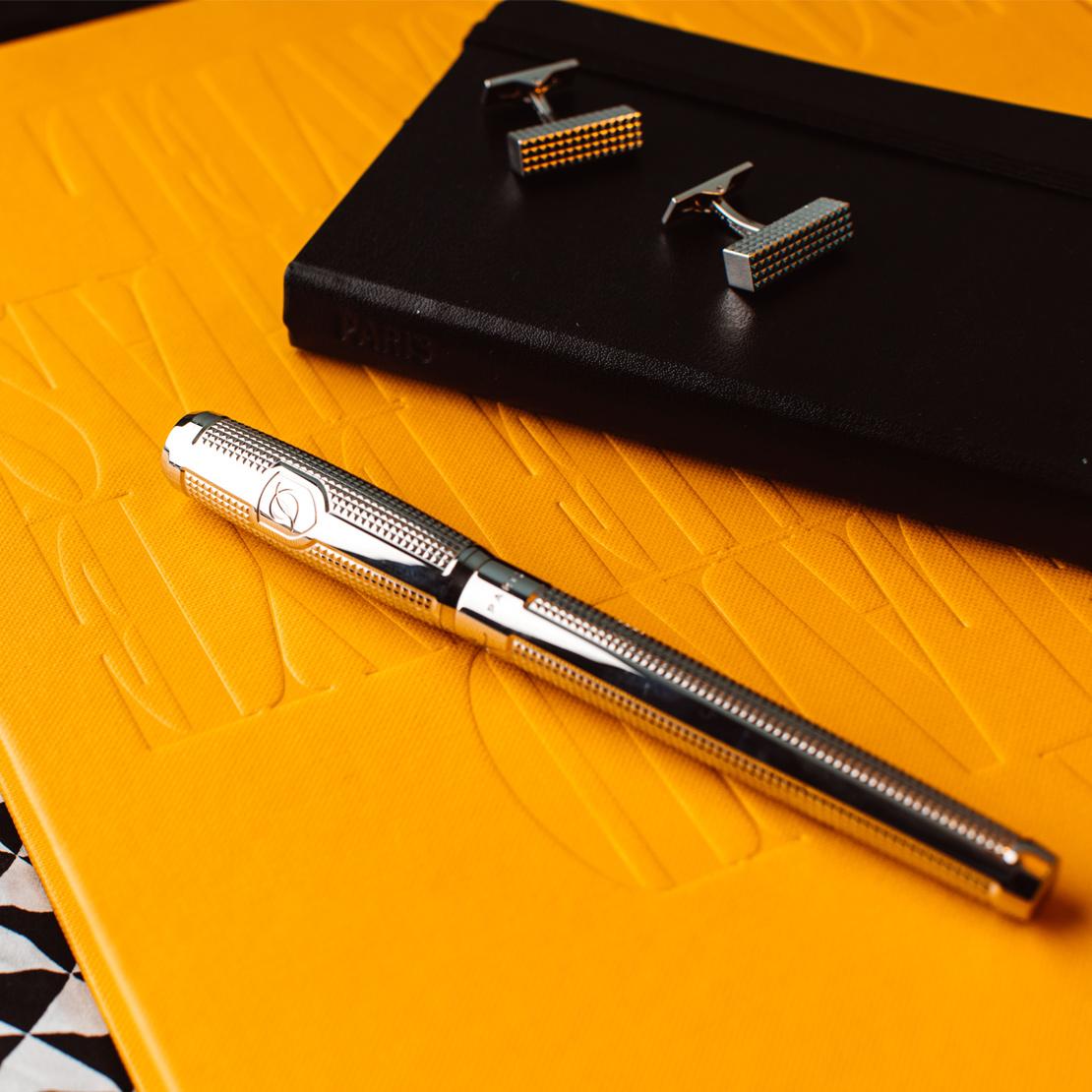 S.T. Dupont Schreibgerät und Manschettenknöpfe