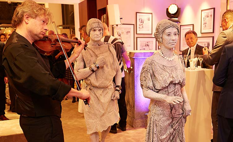 Eroeffnungsfeier im Atelier Stoess Wiesbaden